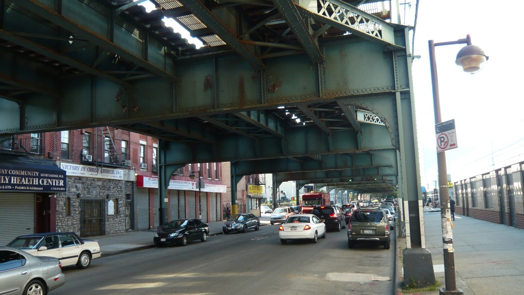 Elevated subway in Brooklyn