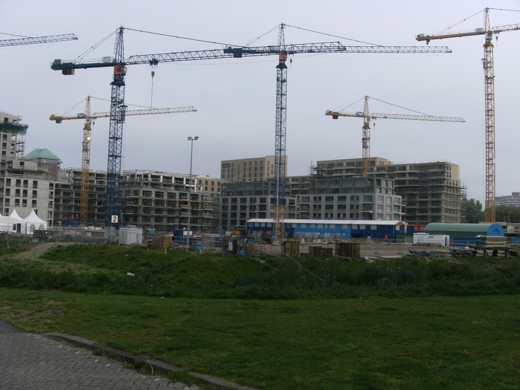 Amsterdam Nieuw-West renewal efforts: Andreas Ensemble under construction. Source: Wikimedia Commons