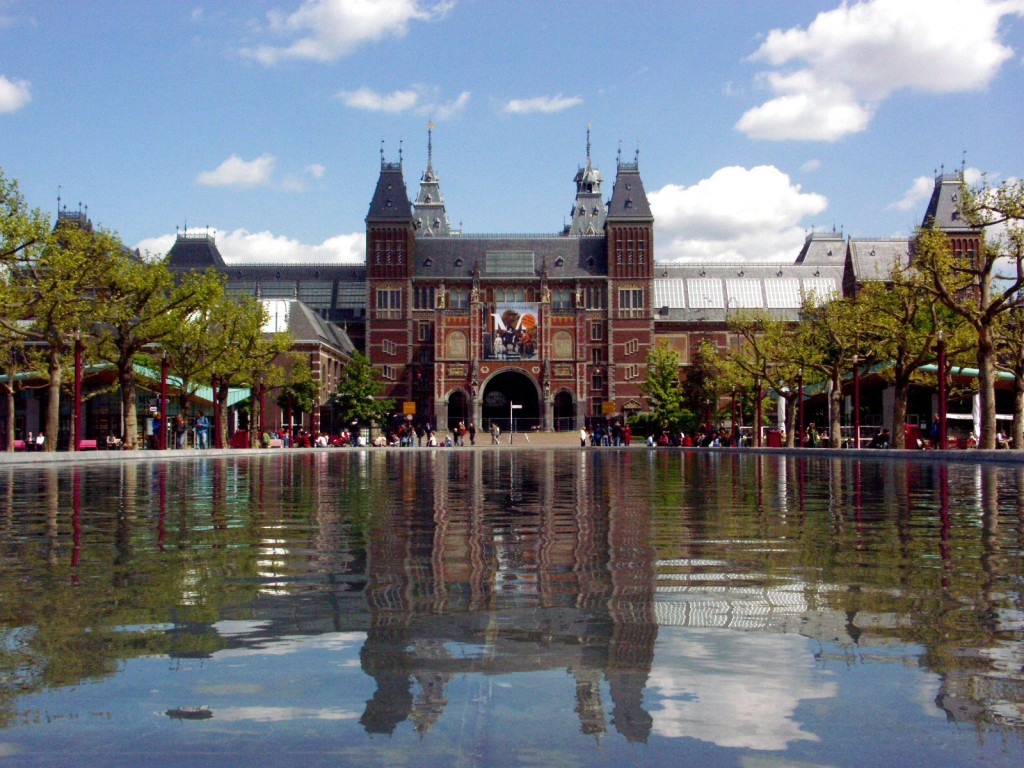 Rijksmuseum in Amsterdam, re-opened in april 2013. Source: Wikimedia Commons