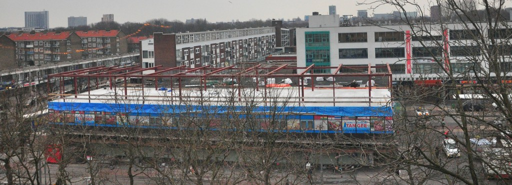 Tanger Verscentrum in Amsterdam Nieuw-West expanding with an extra floor for supermarket space. Source: Flickr.com, CarnagerSDV