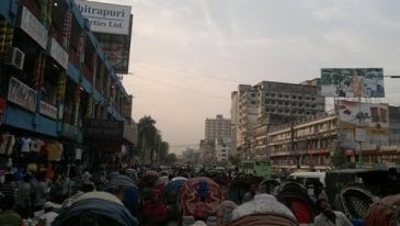 Traffic Congestion on Mirpur Road, Dhaka. (photo taken by author, February 2012)