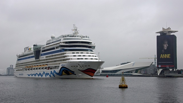 A large cruise ship arrives in Amsterdam at the river IJ (photo: Nik Morris)