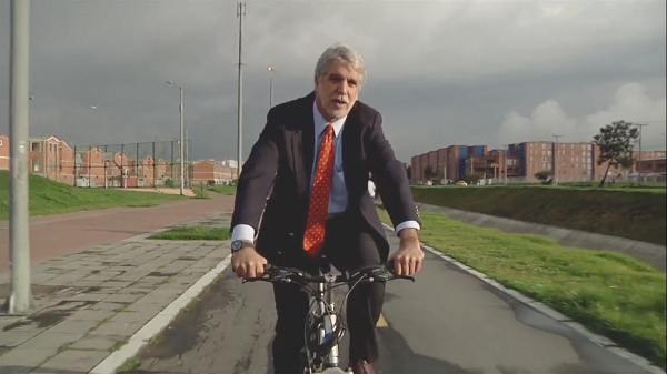 The Mayor of Bogota. Still from Urbanized (2011).