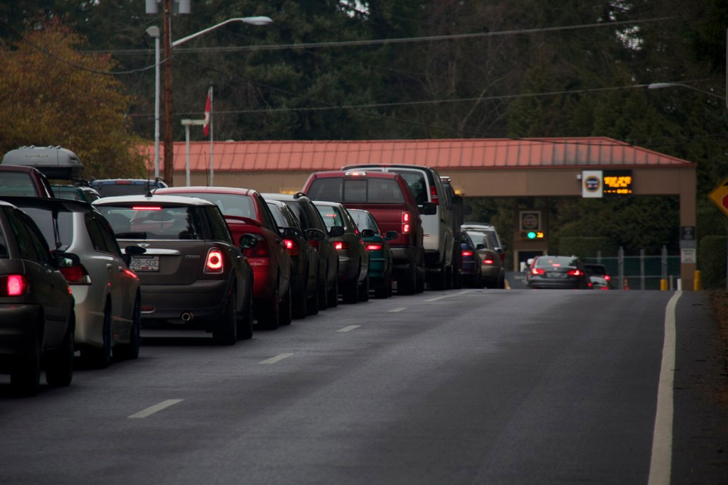 Point Roberts Border Crossing into Canada (Photo: Jean Baillargeon)