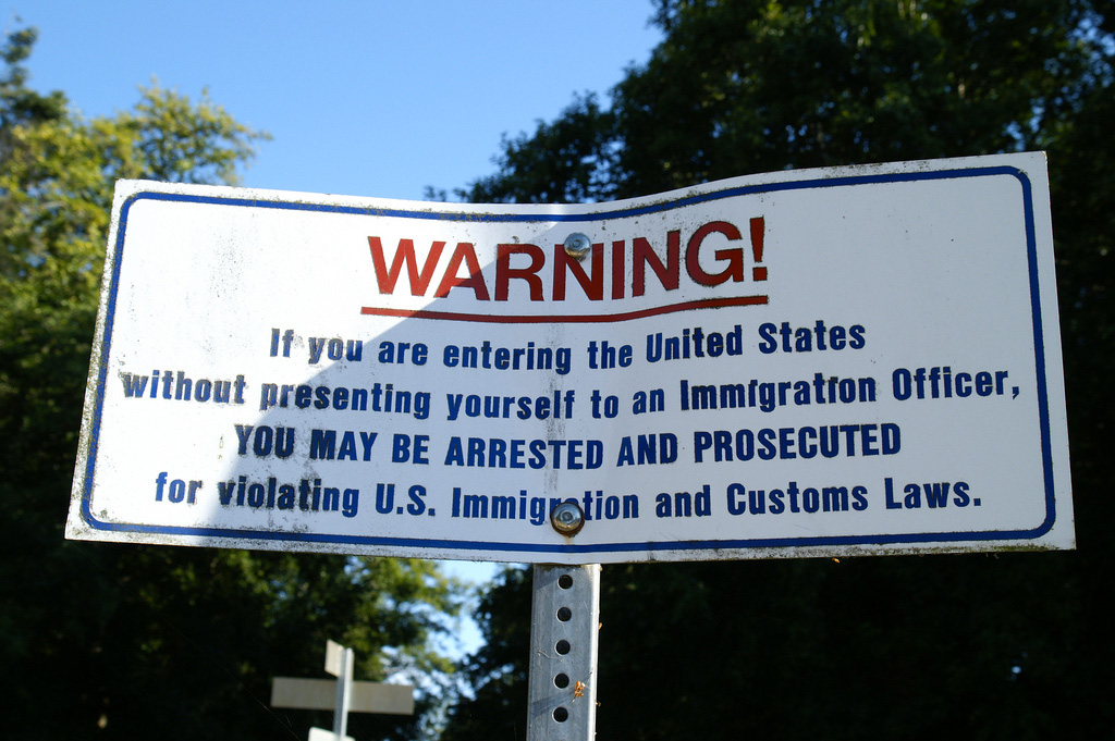 Threatening Warning Sign at Point Roberts Border (Photo: Hideyuki Kamon)