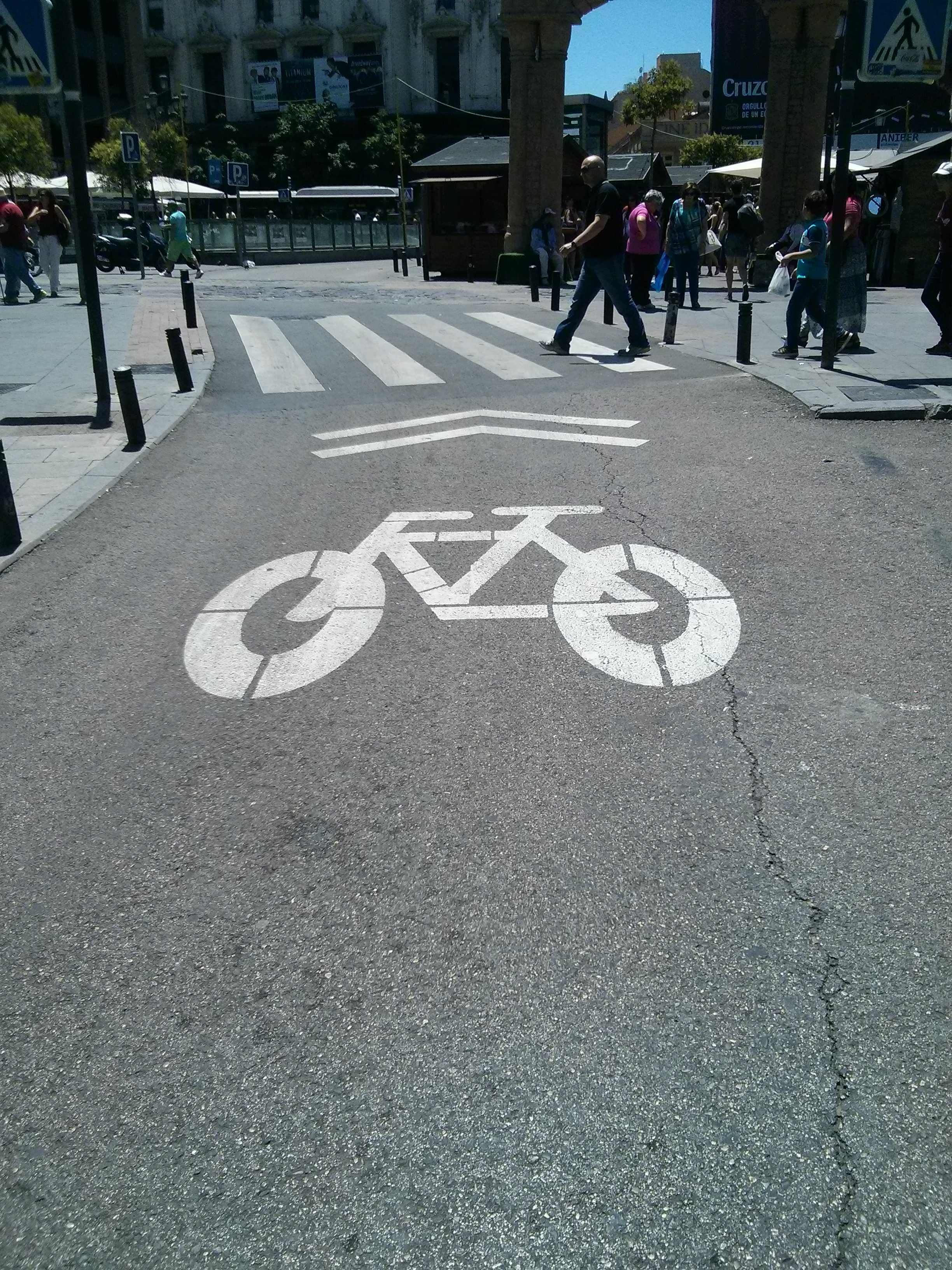 New Bike Symbols on Streets (Picture by Author)