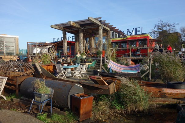 De Ceuvel, community garden, café and sustainable community. Credit: thewavingcat, Creative Commons. Taken in November 2014.