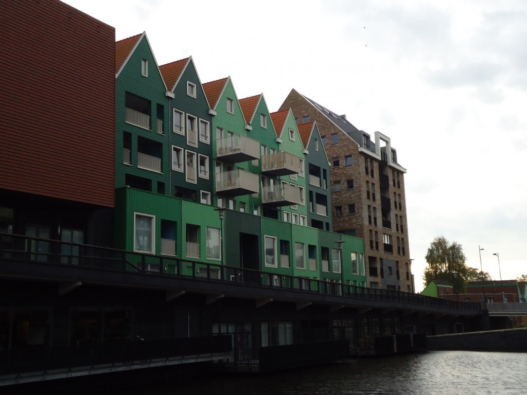 Newly built apartments near Zaandam Central Station. (Photo by author)
