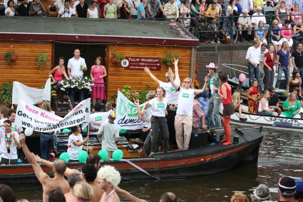 D66 is one of the political parties in Holland that has its own boat at Amsterdam's annual gay pride (picture by Geoff Coupe, flickr)