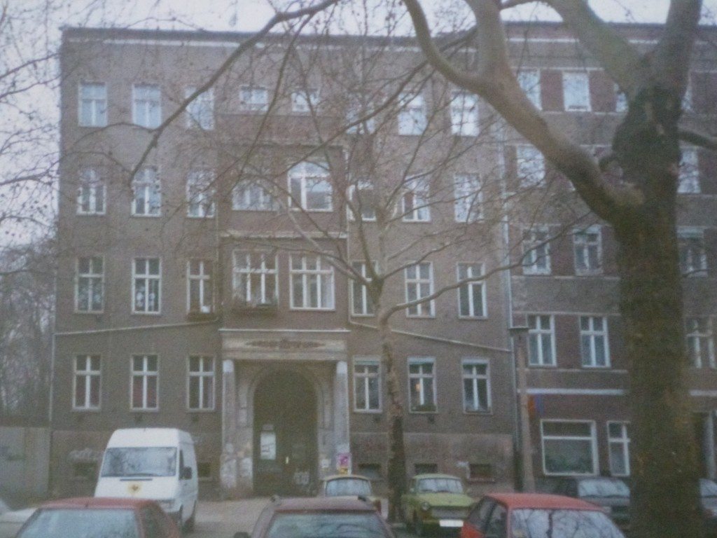 Kollwitzstraße 45 in January 1996 (I lived in this house for a few months then)...