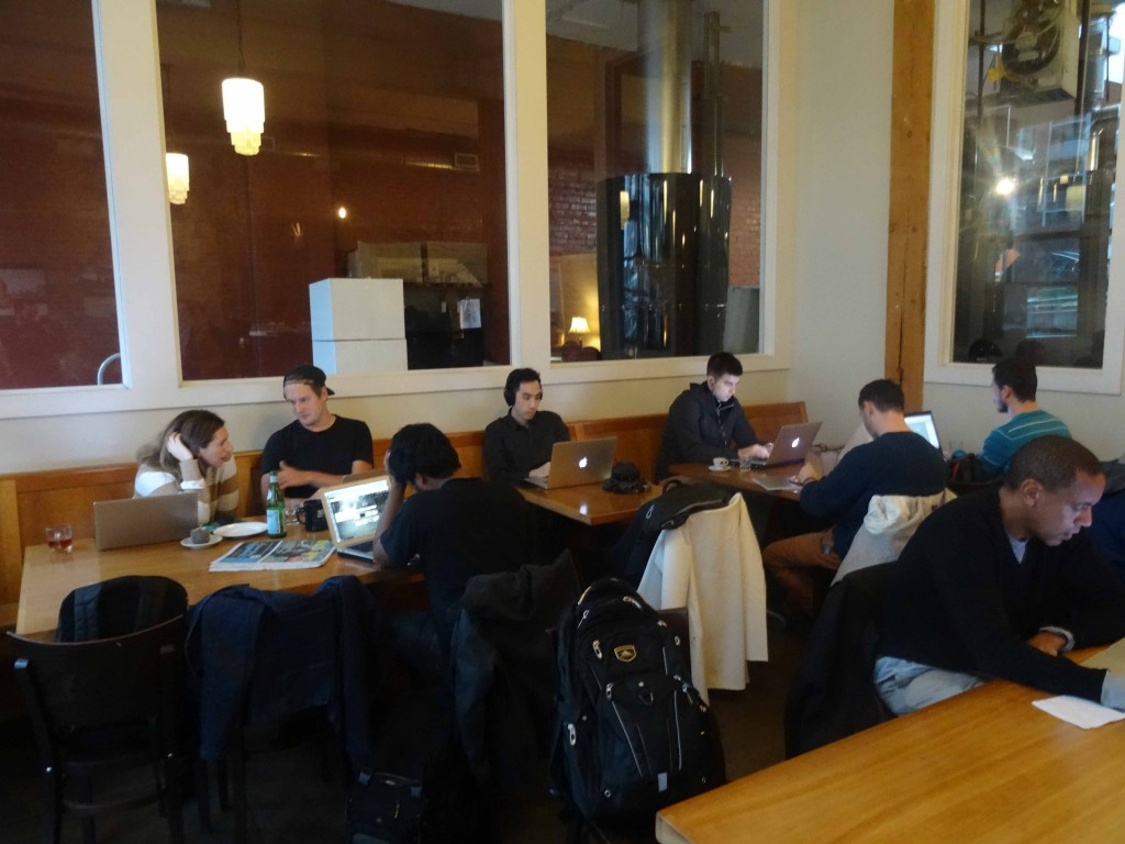 'A sea of MacBooks': coffee bars are a perfect office to flex-workers.  (Photo: Wietze Gelmers, Seattle)