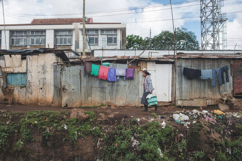 Laundry drying in Kibera (Photo: Adam Nowek)