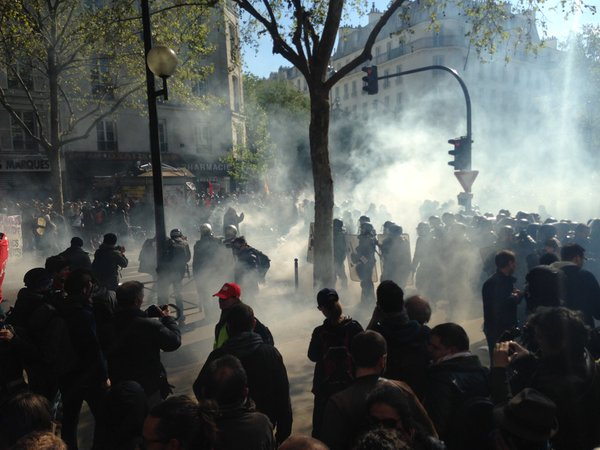 The square under tear gas Source: Morgane Merteuil, twitter, May 1st 2016