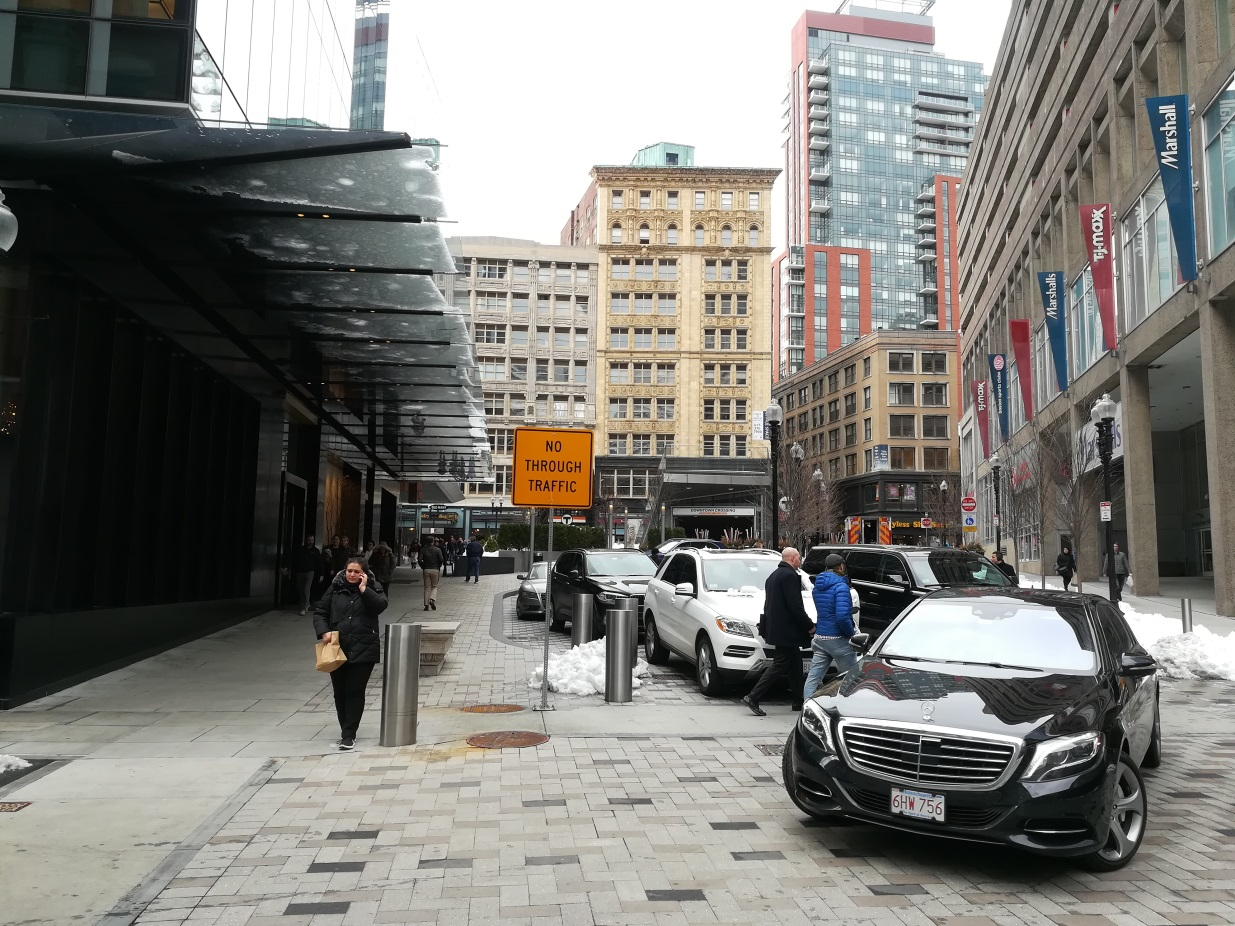 Crowded pick-up and loading zone in front of the Millennium Tower, Boston (Photo: Julian Bluemle)