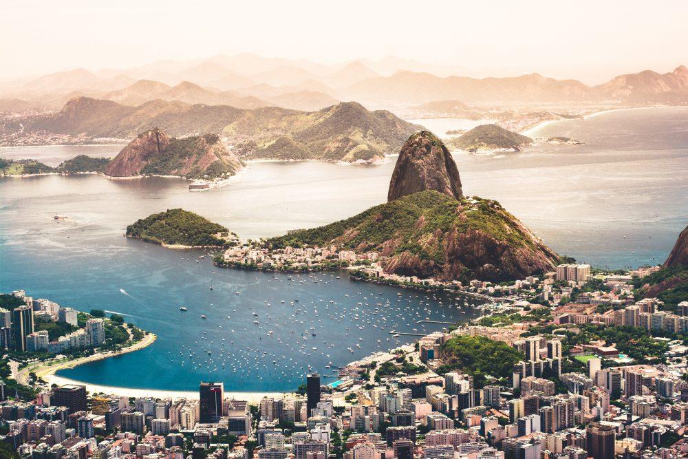 Rio de Janeiro and Rome in pursuit of tourism